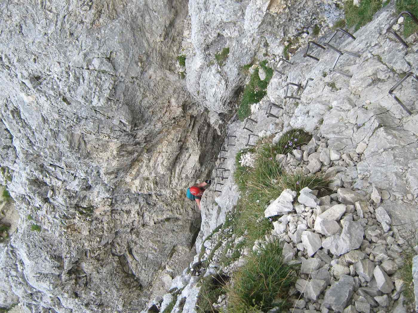 Klammern unterhalb des Rot Flüh Gipfels
